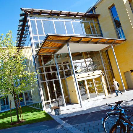 Högskolan i Skövde, Västergötland