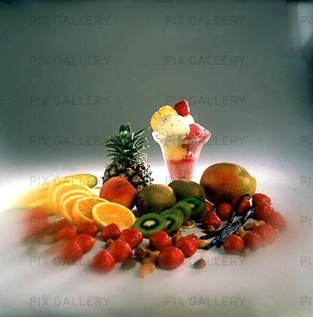 Frukt, bär och glass