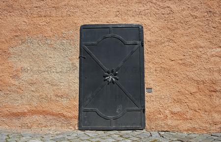 Dörr på Näsby slott i Täby