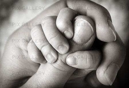 Barnhand i vuxenhand