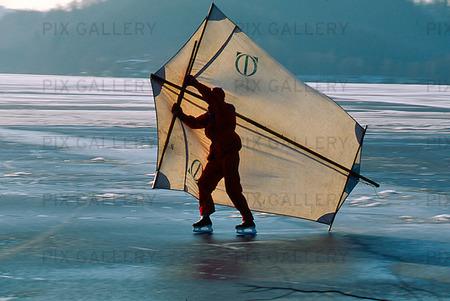 Skridskoåkning med segel