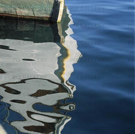 Spegling av båt