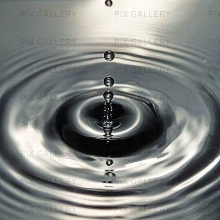 Water Rings Bipt1d Royalty Free Image Stock Photos Pix
