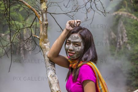 Kvinna med lerinpackning, Filippinerna