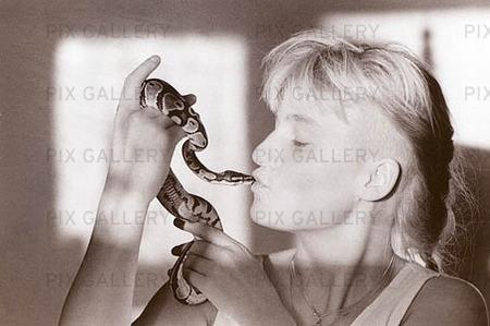 Kvinna med orm
