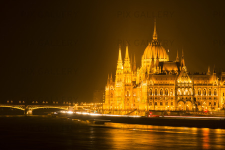Budapest parlament, Ungern