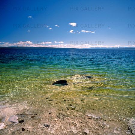 Yellowstone  lake, USA