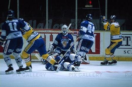 sverige vinner över finland i ishockey