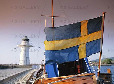 Svenska Flaggan på båt