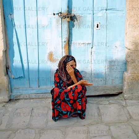 Fattig kvinna, Tunisien