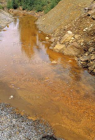 Järnhaltigt vatten