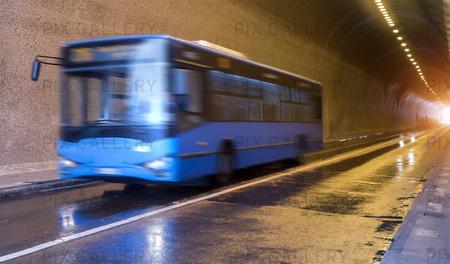 Buss i Budapest, Ungern