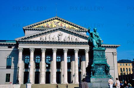 Nationalteatern i München, Tyskland