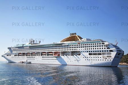 Kryssningsfartyg vid Franska Rivieran, Frankrike