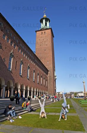 Folkliv vid Stockholms stadshus