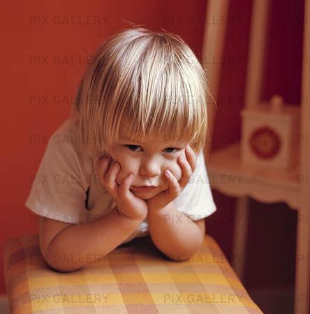 Barn som funderar