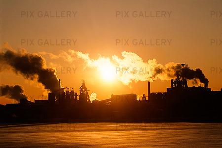 Järnverk i solndegång