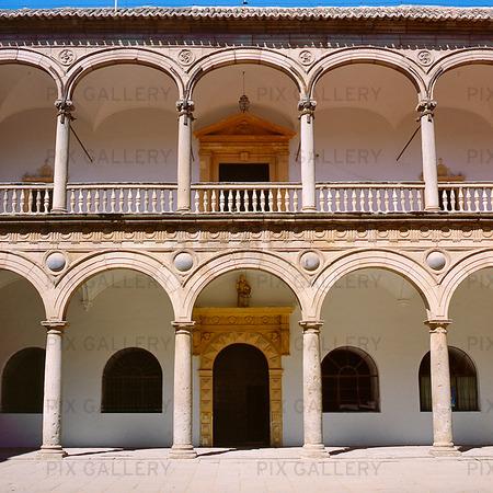 Byggnad i Toledo, Spanien