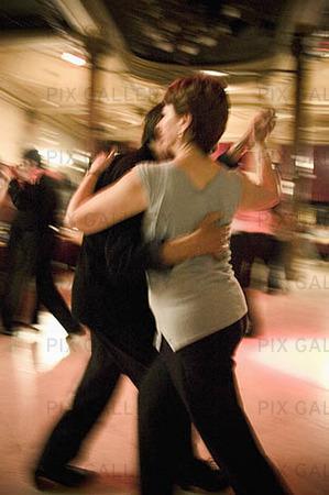 nattklubb kvinnor dansa