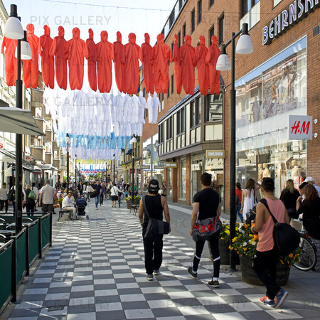 Installation av Ai Weiweis konstverk i Örebro, Närke