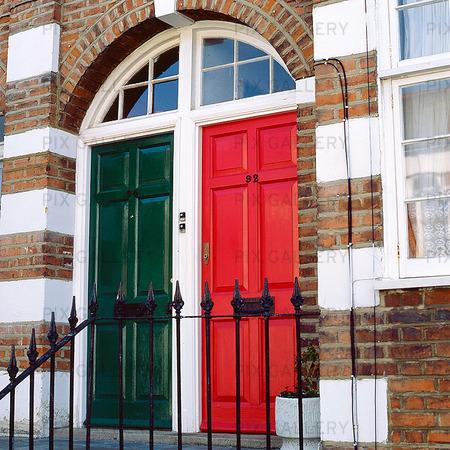 Två dörrar i England