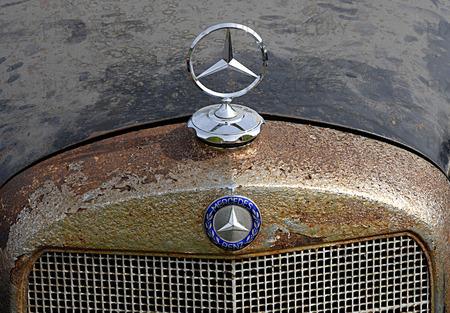 Mercedesmärke / veteranbil