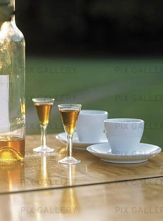 Kaffe och snapsglas