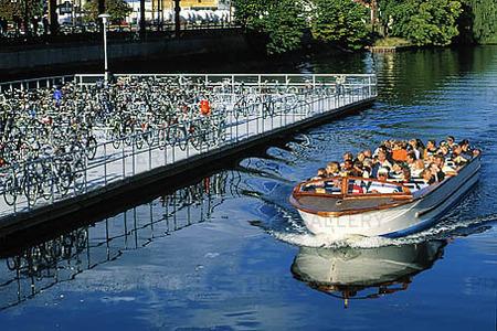 Sightseeing med båt i Malmö, Skåne