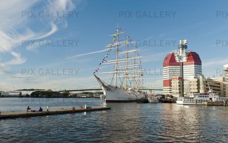 Lilla Bommen, Göteborgs hamn