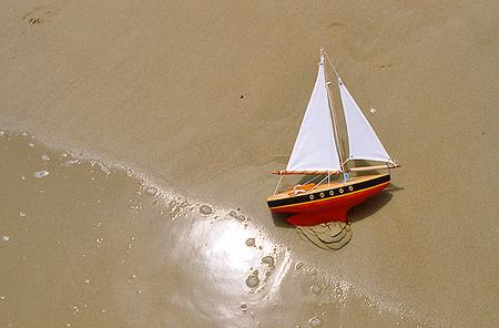 Segelbåt på strand