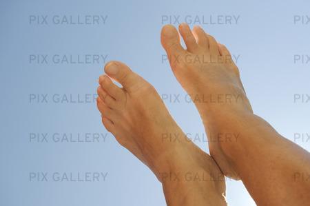 Fötter i skyn