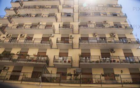 Bostdshus i Catania på Sicilien, Italien