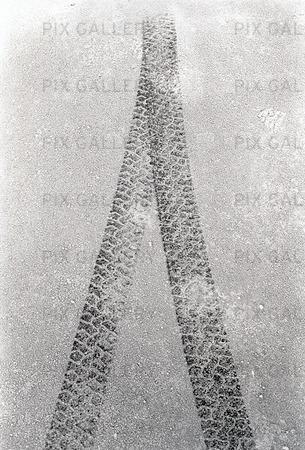 Bilspår i frost