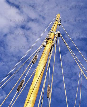 Mast for sailing vessels