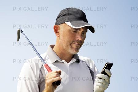 Golfare och mobiltelefon