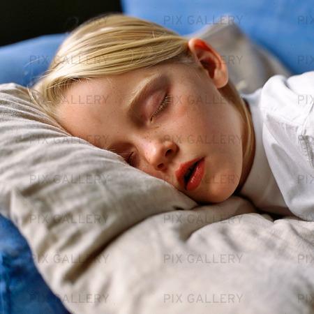 Flicka som sover