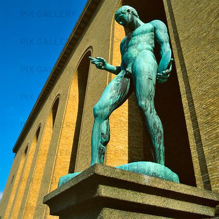 Staty på Götaplatsen, Göteborg