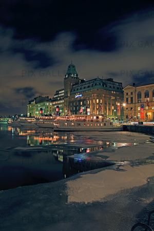 Vinter i Nybroviken, Stockholm