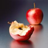 Ett äpple och en äppelskrott