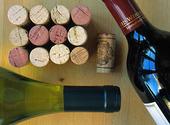 Vinkorkar och flaskor