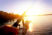 Fiske i solnedgången