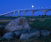 Ölandsbron i månsken, Småland