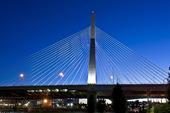 Zakim Bunker Hill bridge i Boston, USA