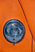 Framlampa på bil