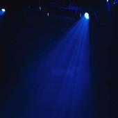 Blått strålkastarljus