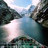 Kryssningsfartyg i Trollfjorden, Norge