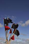 Flaggor på fiskeredskap
