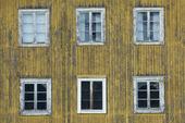 Fönster på ödegård, Hälsingland