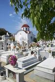 Kyrkogård i Pigadia på Karpathos, Grekland.