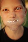 Full mun med tårta